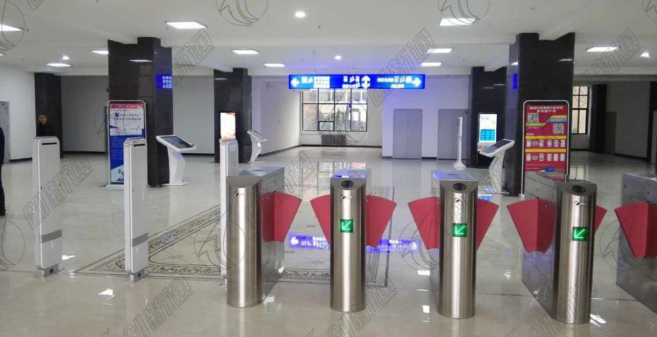 甘肃陇南师专新图书馆使用创新通圆弧翼闸4通道