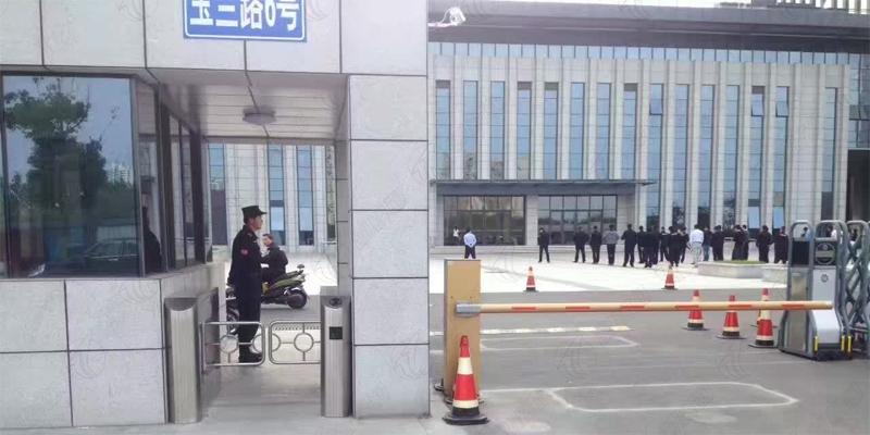 江苏淮安新城区公安局使用创新通尊贵摆闸案例
