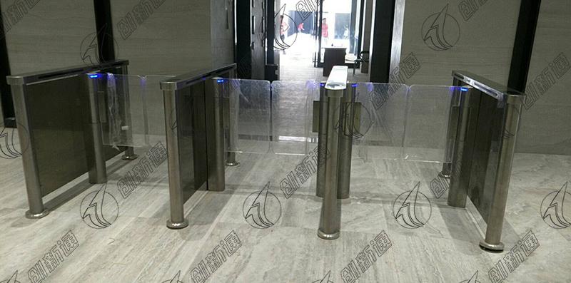 广西大厦使用创新通三通道速通摆闸案例
