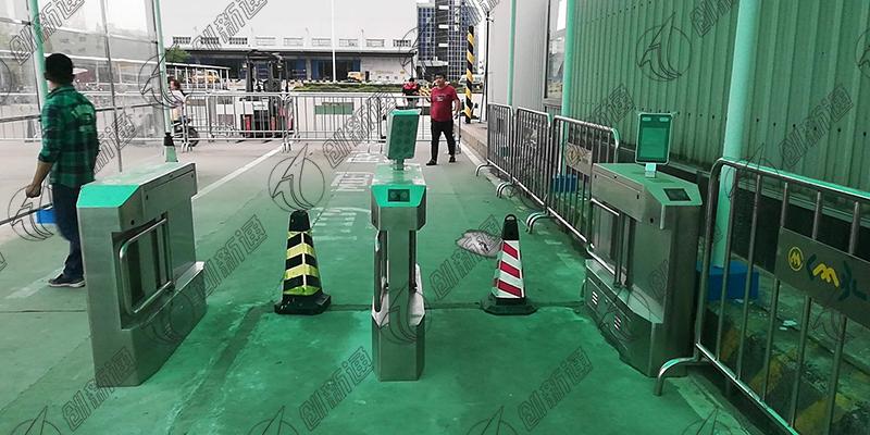 创新通双通道精准摆闸深圳前海湾保税港区使用案例